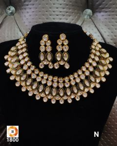Good quality Three piece Kundan Necklace Set with a Real look