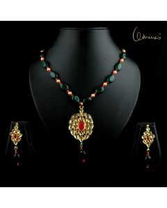 Meena Kundan Oval with Green Jade