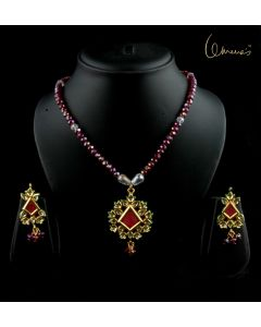 Meena Diamond shaped pendant with Czech glass